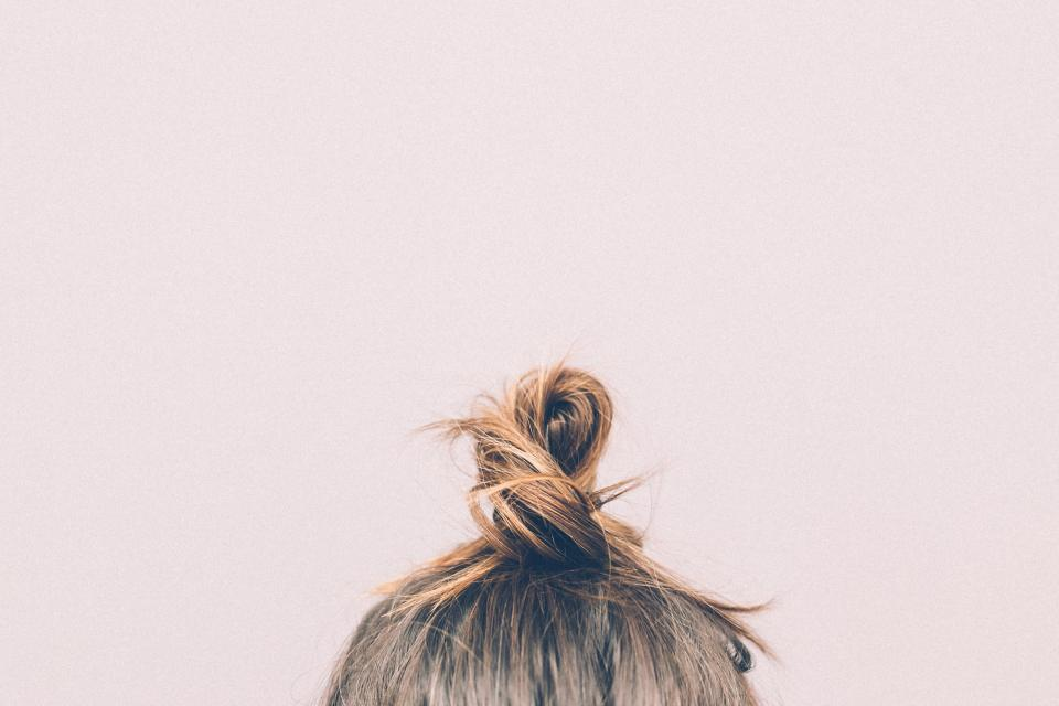 The Art of the Midday Hair Fix