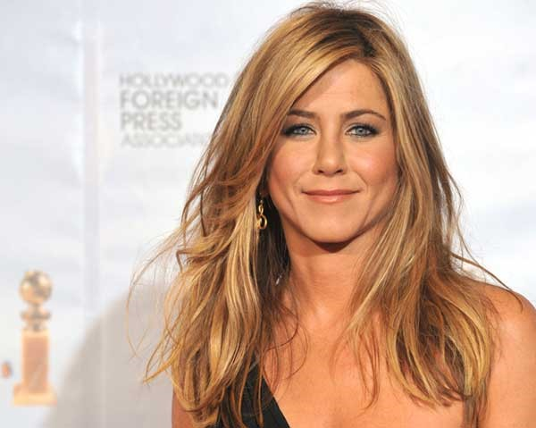 warm_jennifer_aniston-1